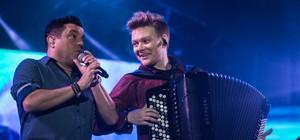 Bruno & Marrone e Michel Teló dividem palco (Mateus Rigola/G1)