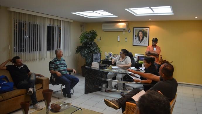Reunião na Federação Paraibana de Futebol (Foto: Rammom Monte / GloboEsporte.com/pb)