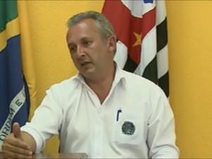 Alessandro Rosa reassume a Prefeitura de Ibaté (SP) (Foto: Reprodução/EPTV)