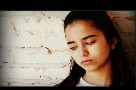 Giovanna Sá em cena da série (Foto: Reprodução)