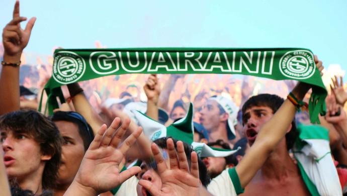 Guarani torcida no Brinco de Ouro (Foto: Rodrigo Villalba / Memory Press)