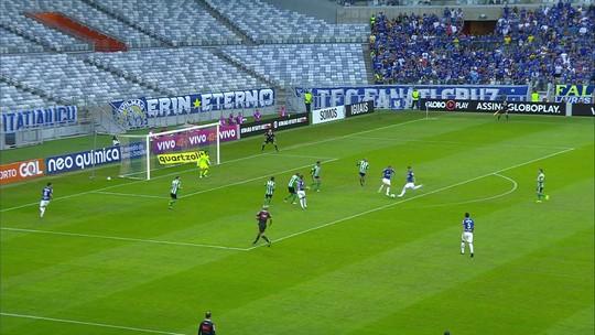 """Ataque em alta e defesa em baixa: Cruzeiro se ajusta para semana de """"decisões"""""""