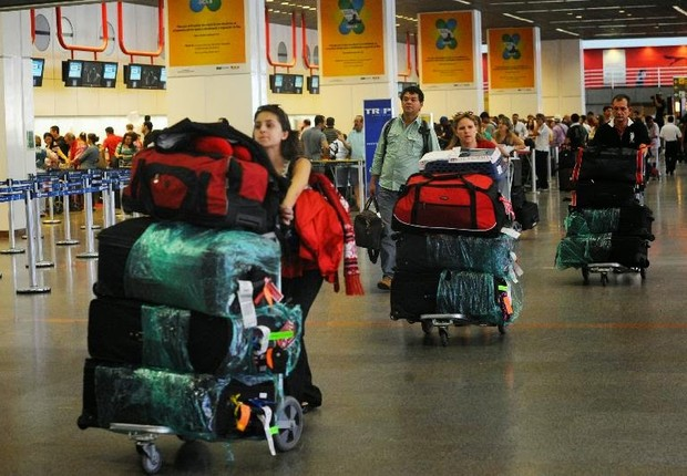 Aeroporto ; bagagem ; compras no exterior ; viajar para o exterior ; viajar para fora do país ; malas ; turistas ; viajantes ;  (Foto: Reprodução/Facebook)