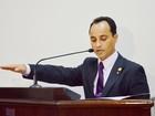Suplente é empossado após cassação de mandato de vereador