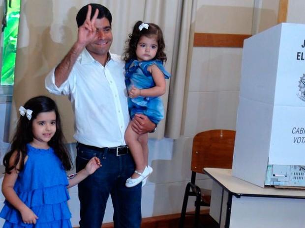 Candidato à prefeitura de Salvador, ACM Neto vai às urnas no 2º turno (Foto: Ruan Melo/ G1)