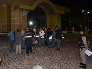 Crime aconteceu nesta quarta, em frente a uma igreja do bairro do Cristo (Foto: Walter Paparazzo/G1)