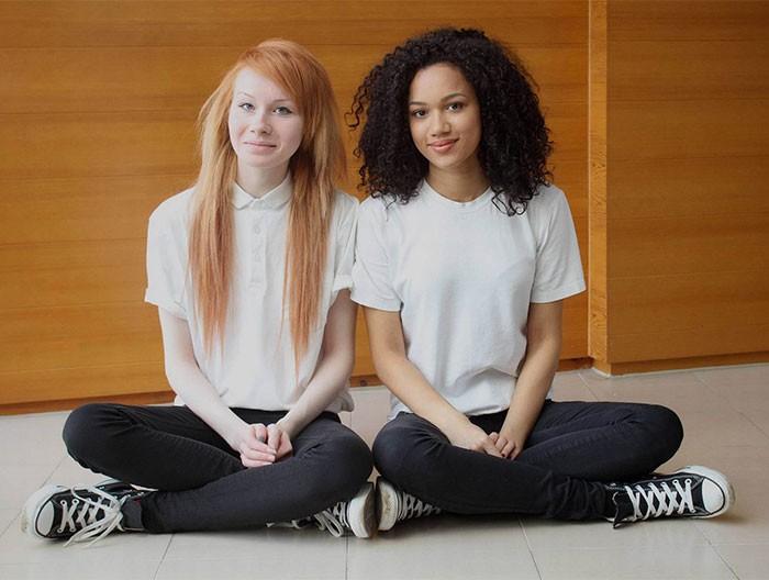 2a0891987f4f3 A ciência explica por que essas irmãs gêmeas são tão diferentes ...