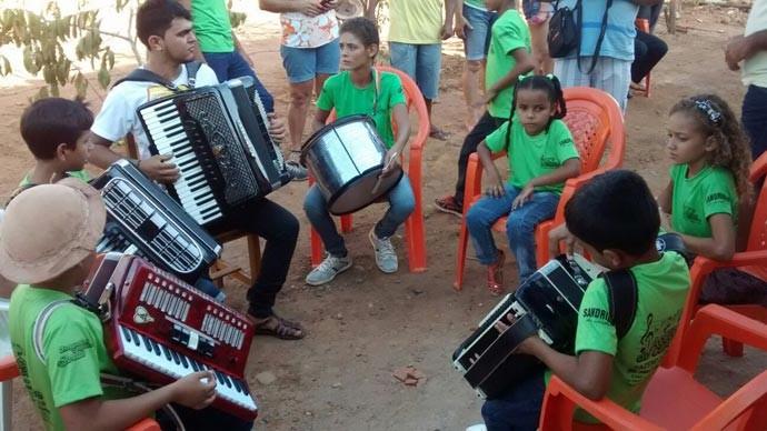 Além de sanfona o projeto oferece aulas de outros instrumentos  (Foto: Gshow/PI)