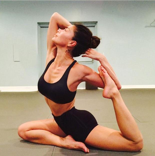 Nicole Scherzinger: curvas mais suntuosas que as da F1 (Foto: Reprodução/ Instagram)