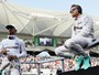 """Hamilton dá aviso a substituto de Nico: """"Se não aguenta pressão, não venha"""""""