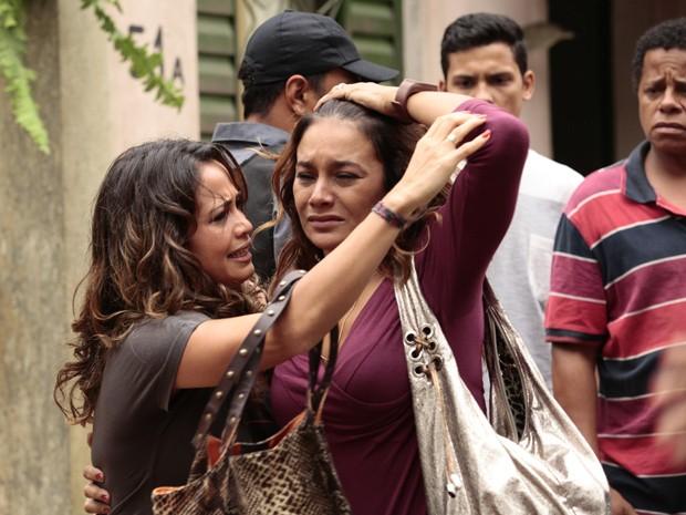 Lucimar se desespera com despejo (Foto: Salve Jorge / TV Globo)