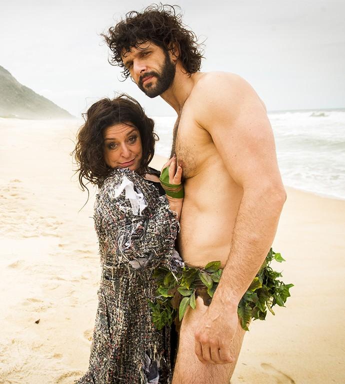 Teodora vive romance tórrido com pescador em ilha deserta (Foto: João Miguel Jr/Globo)