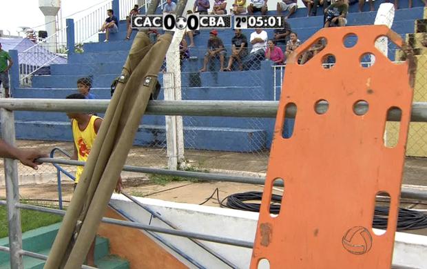 Macas no estádio Geraldão em Cáceres (Foto: Reprodução/TVCA)