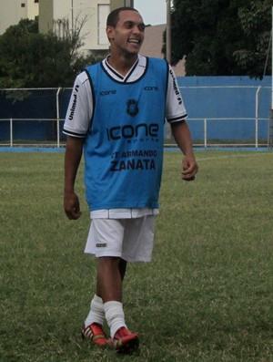 Edu, atacante do Rio Branco-ES (Foto: Deysiane Gagno/Rio Branco AC)