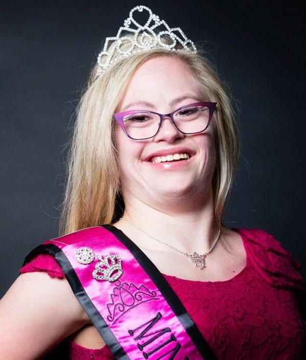 Mikayla Holmgren será a primeira menina com Síndrome de Down a participar do Miss Minnesota USA (Foto: Divulgação)
