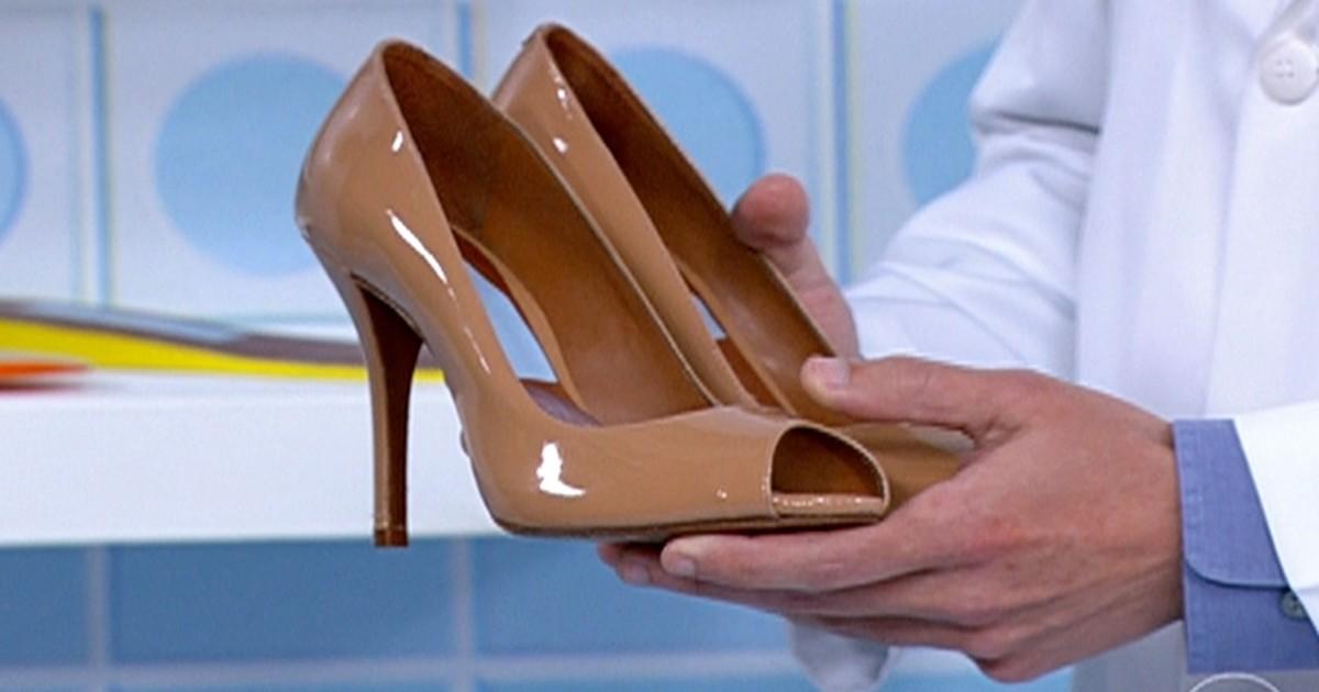 3e10a3aa1f Bem Estar - Saiba o que observar ao comprar um sapato para evitar problemas  nos pés