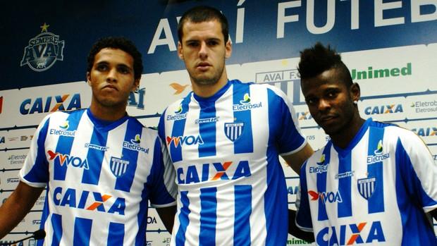 Thiago Medeiros, Fred e Erick Flores são apresentados no Avaí (Foto: Alceu Atherino / Avaí FC)