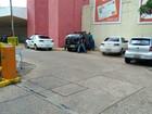 Dupla invade supermercado e furta R$ 100 mil em mercadorias em MS