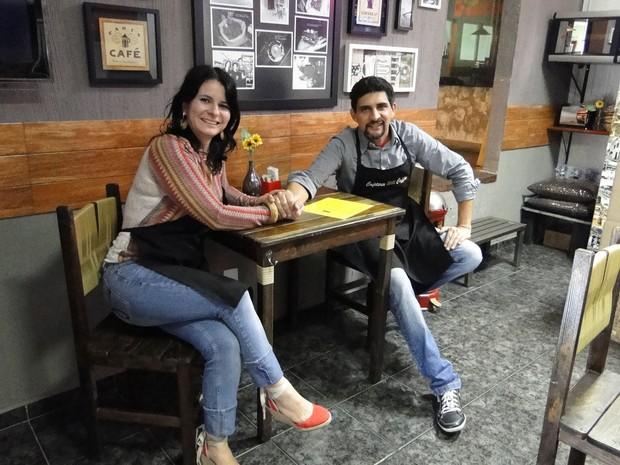 O casal Michele Miranda e Marcos dos Santos tinham o sonho de serem baristas. (Foto: Sara Antunes/G1)