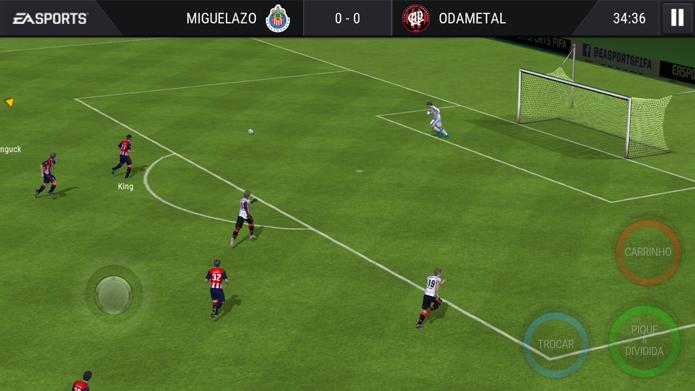 Fifa Mobile ou Real Football? Qual deles é o melhor jogo de futebol para celulares (Foto: Reprodução/André Mello)