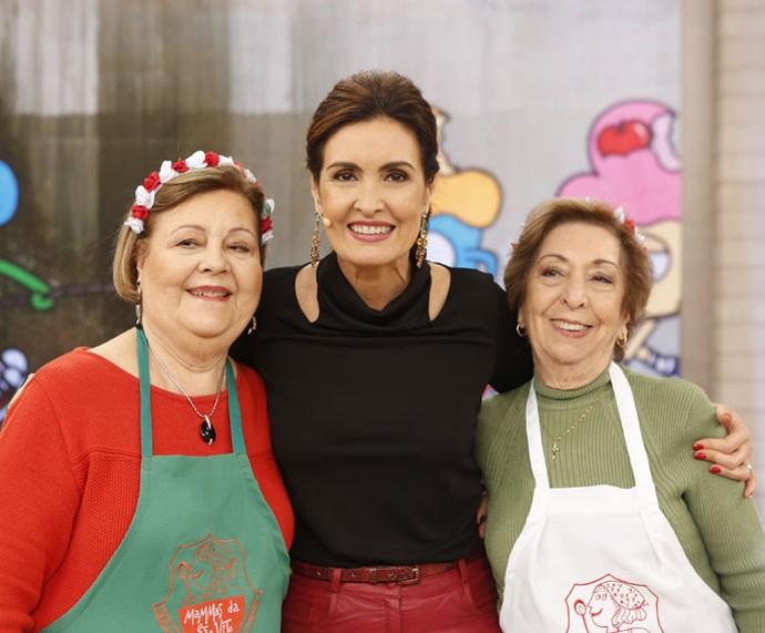 Fátima com as convidadas italianas  (Foto: Ellen Soares/Gshow)