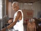 Crise leva casal de idosos a morar dentro de contêiner em Campinas