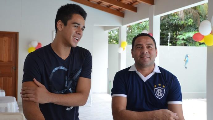 rei Artur e Artur Júnior Acre (Foto: Yuri Marcel)