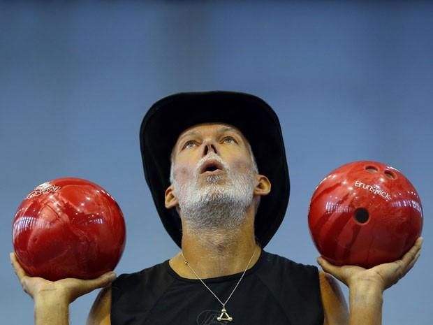 Artista eslovaco tenta quebrar o recorde do Guinness (Foto: Reuters)
