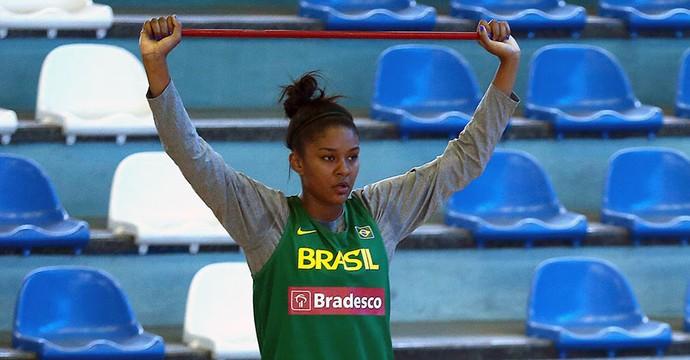 Damiris está treinando com a seleção brasileira para os Jogos Olímpicos (Foto: Gáspar Nóbrega/InovaFoto)