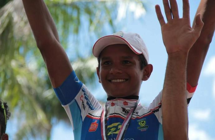 Alessandro Ferreira vence 3ª etapa da Copa Regional de Ciclismo (Foto: Divulgação/Beto Korim)
