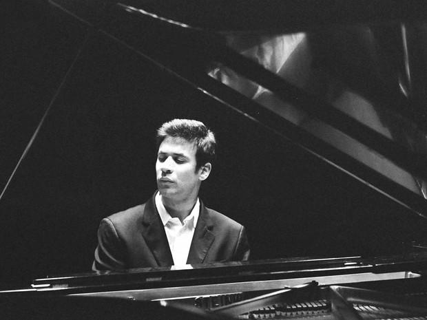 Jovem pianista Cristian Budu se apresenta em Poços de Caldas, Passos e Varginha. (Foto: Divulgação/Concertos Petrobras-EPTV)