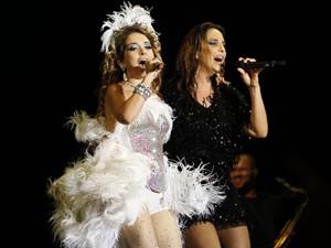 Ivete e Chay: show real em Três Rios (Foto: Cheias de Charme / TV Globo)
