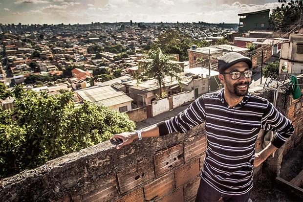 """Carreira;Google;Chefe de responsa Quando era menino, na periferia de Belo Horizonte, André levava a marmita para o pai, motorista de ônibus, e se sentia """"o cara"""". Hoje lidera uma equipe na empresa mais valiosa do mundo  (Foto: João Marcos Rosa/Nitro)"""