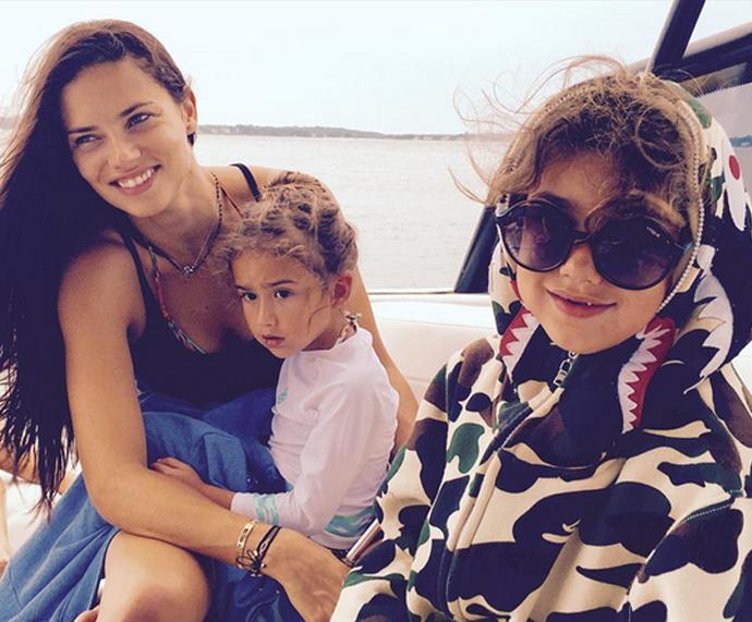 Adriana Lima tem duas filhas  (Foto: Internet)