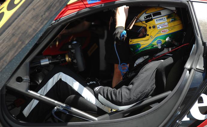 Luiz Razia já teve experiência em carros fechados de GT e também na Stock Car (Foto: Divulgação)