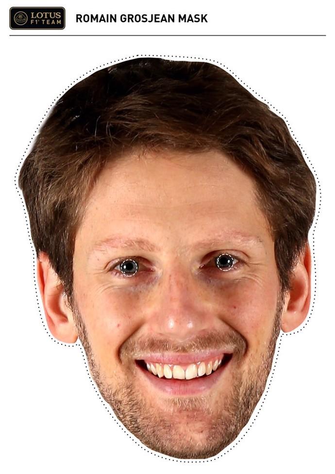 Máscar de Romain Grosjean, dsitribuída pela Lotus em Abu Dhabi (Foto: Divulgação)