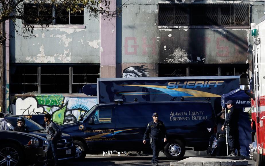 Número de mortos em incêndio durante festa na Califórnia pode chegar a 40