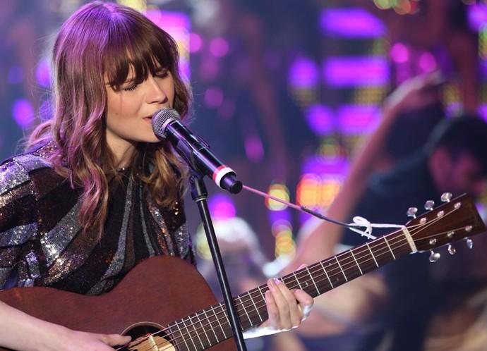 Gabrielle se apresenta no palco do Domingão (Foto: Carol Caminha/Gshow)