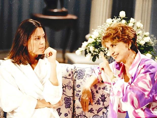 Paula (Carolina Ferraz) e Zuleika Sampaio (Eva Wilma) (Foto: CEDOC/TV Globo)