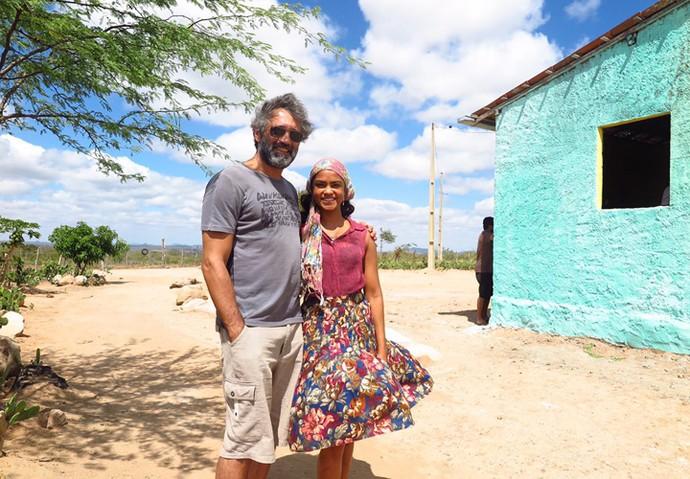 Esta é a última imagem de Lucy Alves junto a Domingos Montagner; foi no dia das últimas gravações do ator no Nordeste (Foto: Arquivo Pessoal)
