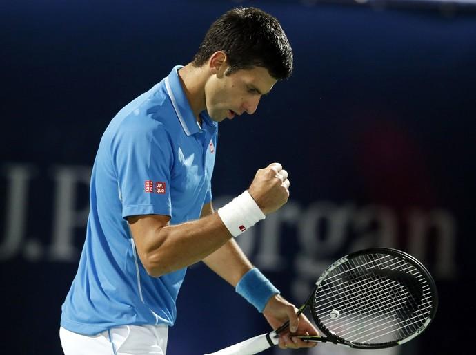 Novak Djokovic x Vasek Pospisil no ATP de Dubai (Foto: REUTERS/Ahmed Jadallah)