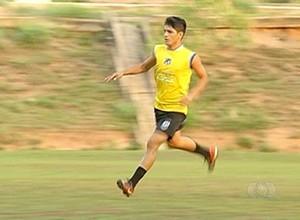 Atacante Jean autor dos dois gols da vitória do Sparta contra o Taquarussú  (Foto: Reprodução/TV Anhanguera)