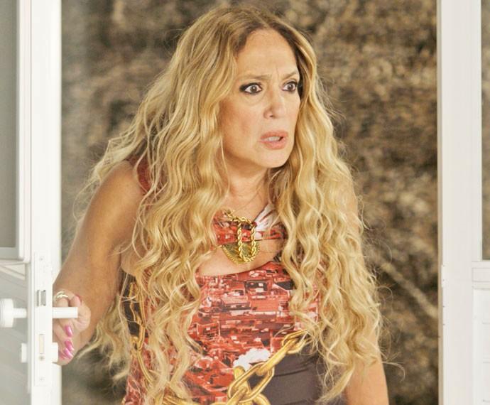 Adisabeba chega na suíte e dá de cara com Alisson (Foto: TV Globo)