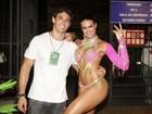 Renata Molinaro leva o namorado para a Sapucaí: 'Ele é meu amuleto'