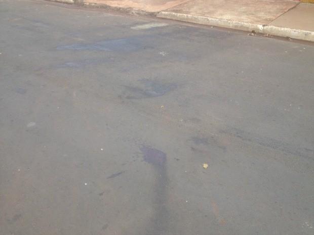 Local onde ocorreu confusão que terminou com menina morta e cinco pessoas baleadas em Campo Grande MS (Foto: Nadyenka Castro/G1 MS)
