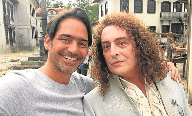 Vinícius Coimbra e Roberto Cordovani no set de 'Novo Mundo' (Foto: Arquivo pessoal)