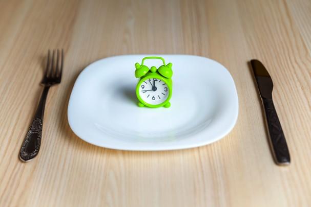 Jejum intermitente: não é dieta e pede acompanhamento  (Foto: ThinkStock)