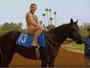 Nu, Conor McGregor monta em cavalo para promover corrida em Miami