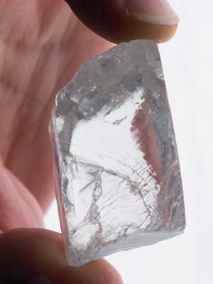 Novo diamante que deve valer entre US$ 10 e 20 milhões  (Foto: Divulgação/Petra Diamonds)