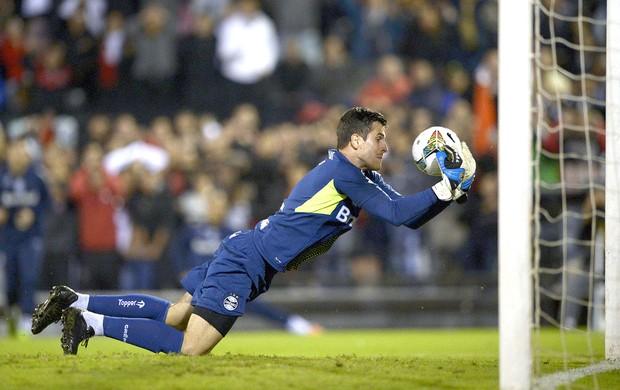 Marcelo Grohe jogo Grêmio e Newell's Old Boys  (Foto: AFP)